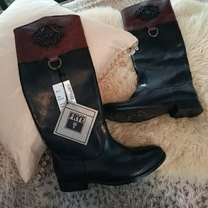 Frye 100% leather detailed boots NWT! Sz 8